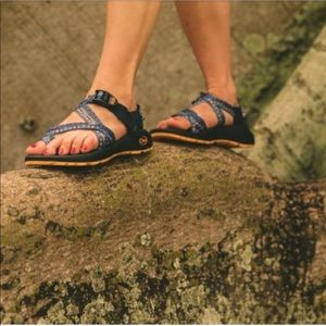 Women's ZX2 Classic Blue Loom Chaco Hiking Sandals